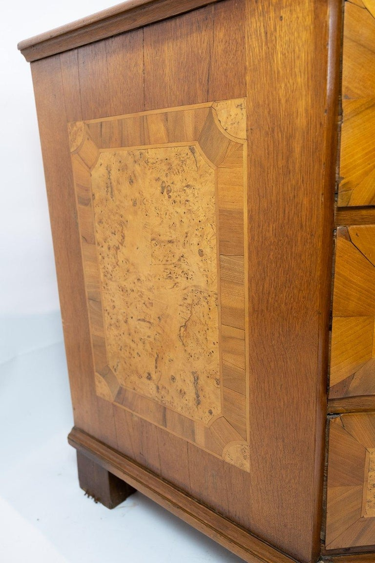 Antique Chest of Drawers in Walnut and Fruit Wood, 1780s For Sale 1