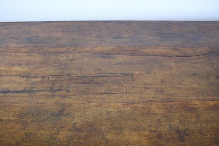 Antique Chestnut Farm Table with Decorative Edge For Sale 3