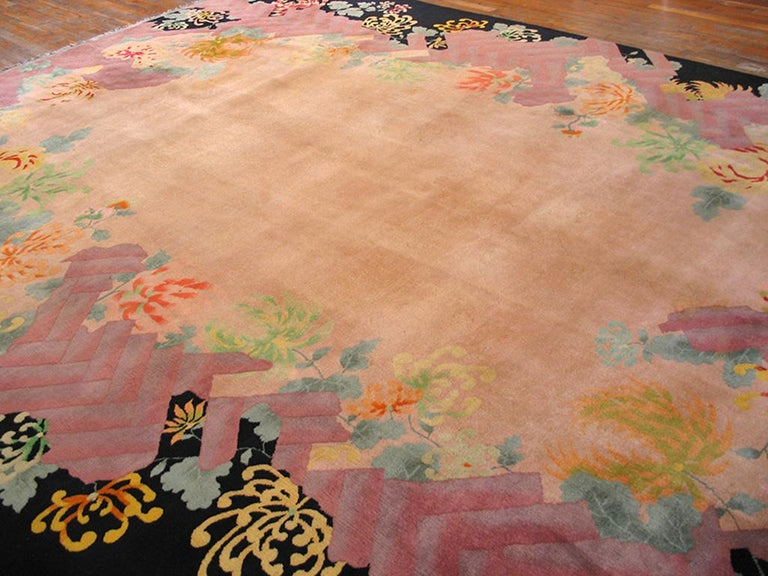 Antique Chinese Art Deco Rug In Good Condition For Sale In New York, NY