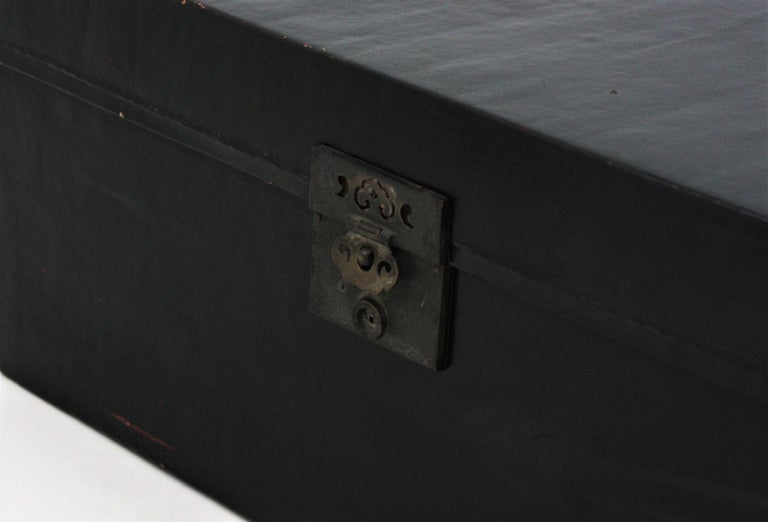 Antique Chinese Black Lacquered Trunk For Sale 2