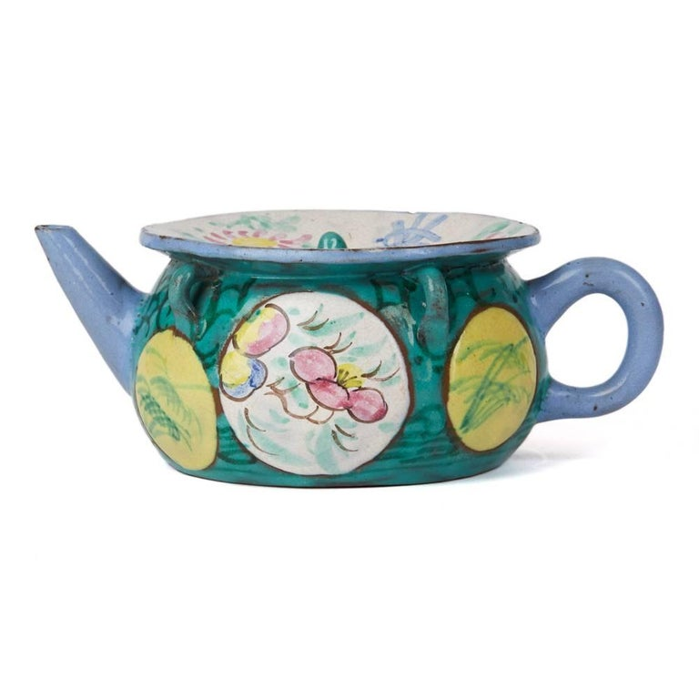 Antique Chinese Enameled Yixing Teapot, 19th Century In Good Condition For Sale In Bishop's Stortford, Hertfordshire