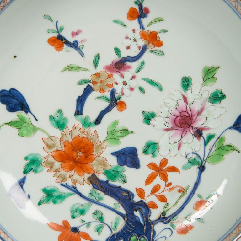 Hand-Painted Antique Chinese Imari Pattern Dish For Sale