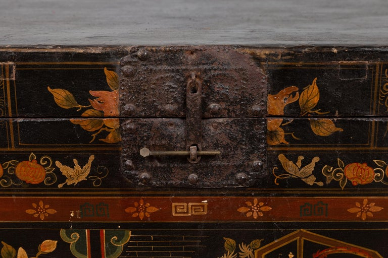 Antique Chinese Large Black Lacquered Trunk with Court Scenes Chinoiserie Decor In Good Condition For Sale In Yonkers, NY
