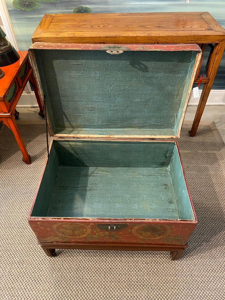 Antique Chinese Leather Trunk with Gold Crests For Sale 5