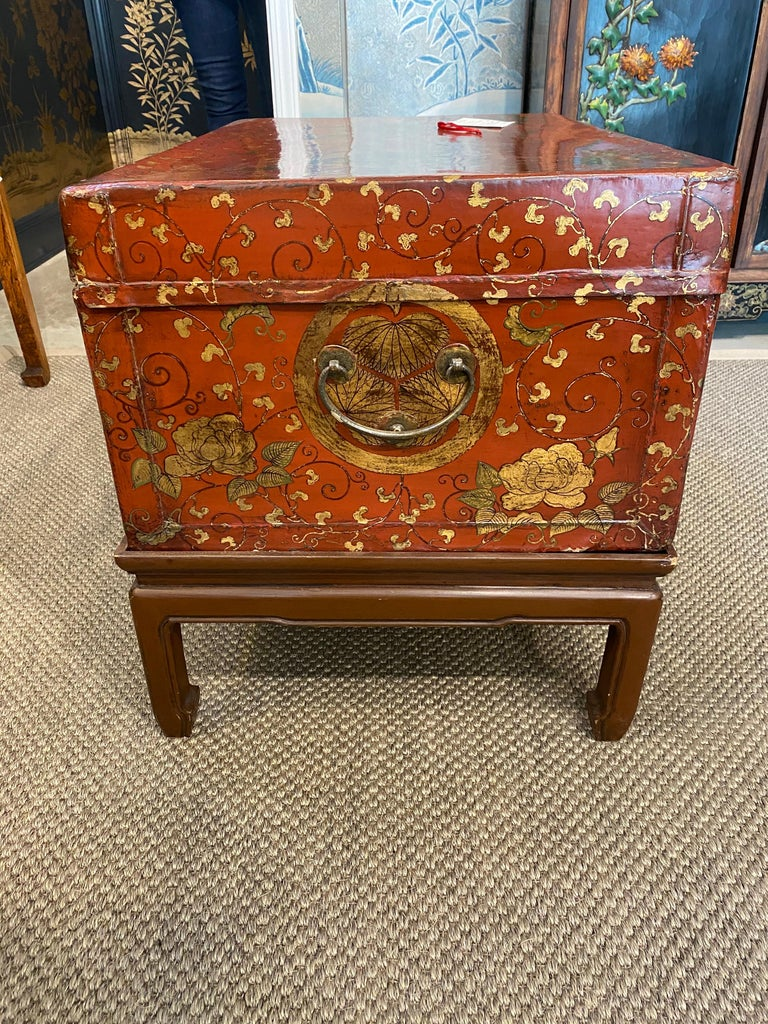 Antique Chinese Leather Trunk with Gold Crests For Sale 2