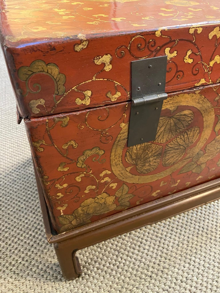 Antique Chinese Leather Trunk with Gold Crests For Sale 3