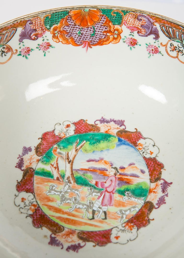 18th Century Antique Chinese Porcelain Hunt Bowl circa 1770 For Sale