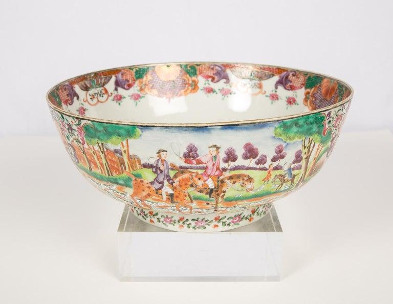 Antique Chinese Porcelain Hunt Bowl circa 1770 For Sale 2
