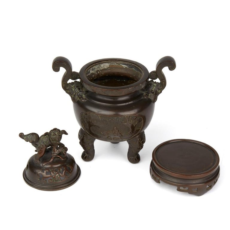 Antique Chinese Qing Bronze Censer and Stand, 19th Century For Sale 2