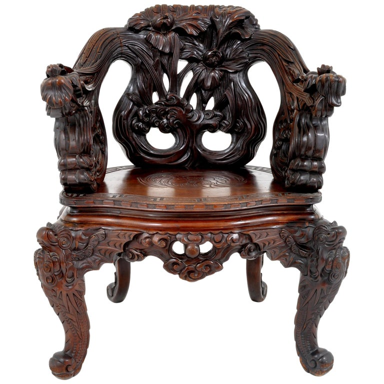 Antique Chinese Qing Dynasty Carved Rosewood Throne Chair, circa 1890 For Sale
