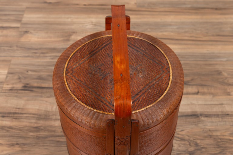 Antique Chinese Rattan Nested Lunch Basket with Carved Handle and Calligraphy For Sale 3