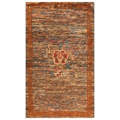 Antique Chinese Rug. Size: 3 ft 11 in x 6 ft 7 in (1.19 m x 2.01 m)