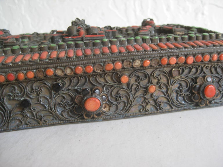 Antique Chinese Tibetan Filigree Brass Trinket Box with Turquoise and Coral For Sale 4