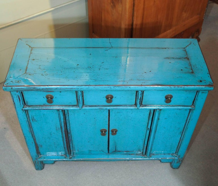 Antique Chinese Turquoise Lacquered Cabinet In Excellent Condition For Sale In New Orleans, LA