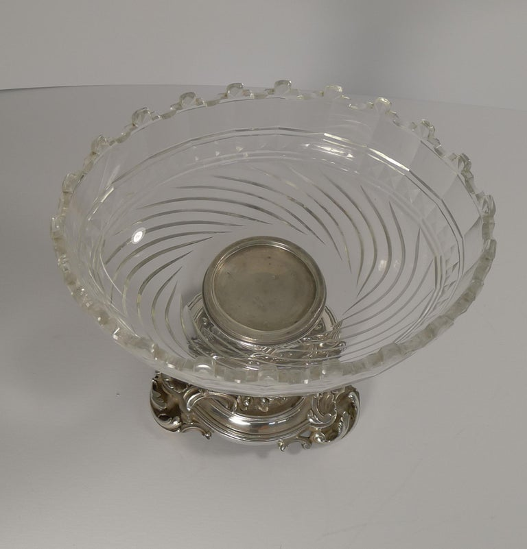 Early 20th Century Antique Christofle et Cie Silvered Bronze and Crystal Centrepiece, circa 1900 For Sale