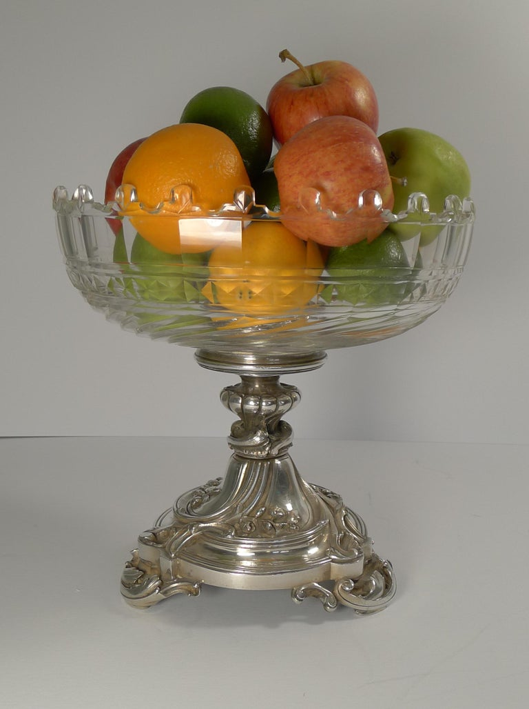 Antique Christofle et Cie Silvered Bronze and Crystal Centrepiece, circa 1900 For Sale 1