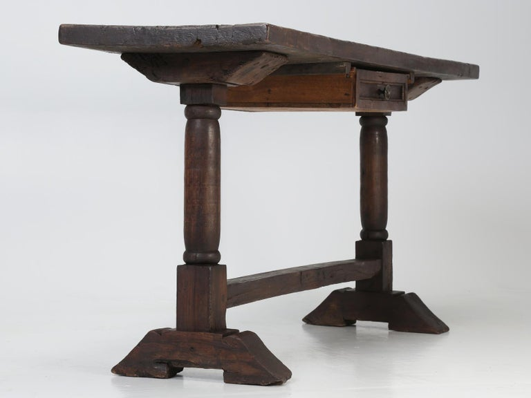 Antique circa 1690-1730 Desk, Kitchen Table or Sofa Table For Sale 7