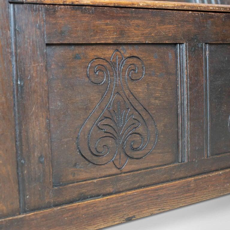 Antique Coffer Settle English Oak Bench, Chest, Trunk Seat, circa 1700 4