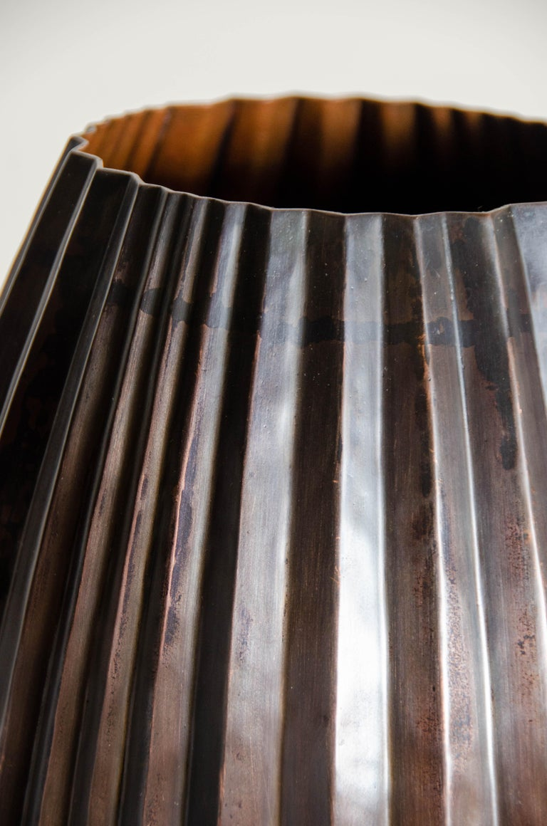 Antique Copper Barrel Vase by Robert Kuo, Hand Repoussé, Limited Edition In New Condition For Sale In West Hollywood, CA