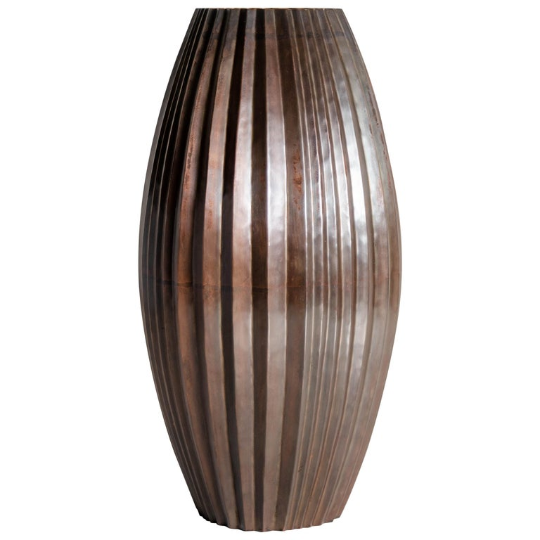 Antique Copper Barrel Vase by Robert Kuo, Hand Repoussé, Limited Edition For Sale