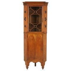 Antique Corner Cabinet, Arts & Crafts, Tiger Oak, Entryway Furniture, B1633