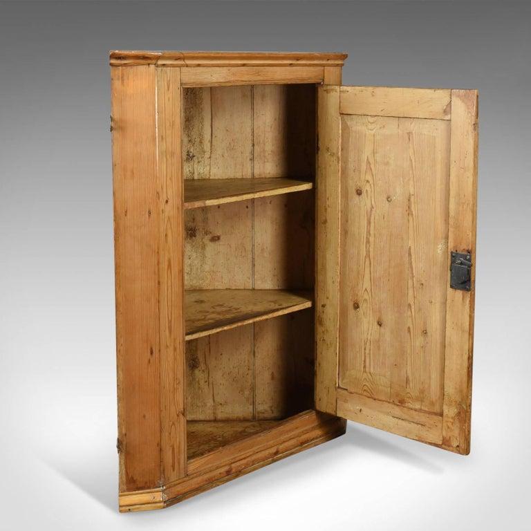 Antique Corner Cabinet, English, Victorian, Pine Hanging Cupboard, circa  1880 In Good - Antique Corner Cabinet, English, Victorian, Pine Hanging Cupboard