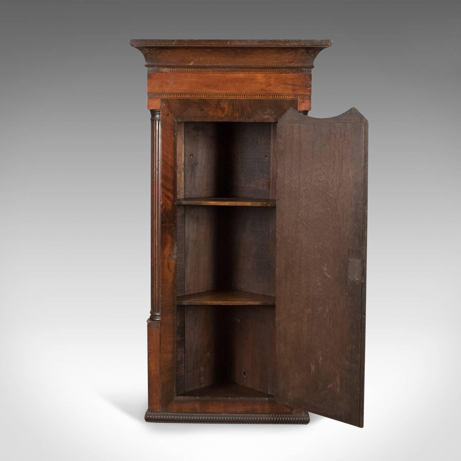 Merveilleux English Antique Corner Cabinet, Georgian, Mahogany, Narrow, Hanging Cupboard  Circa 1780 For