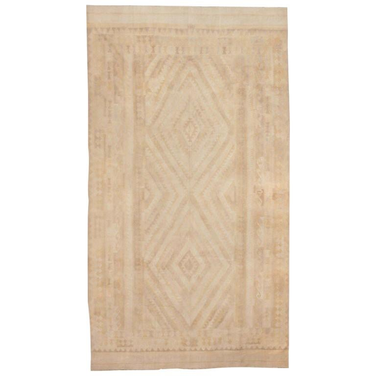 Antique Cotton Dhurrie Indian Rug. Size: 9 ft 4 in x 16 ft 9 in For Sale