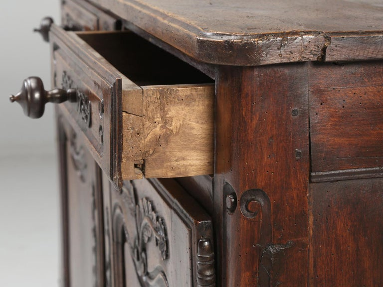 Antique Country French Louis XV Fruit Wood Two-Door Buffet, circa 1700s For Sale 4