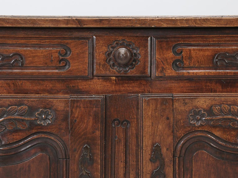 Antique Country French Louis XV Fruit Wood Two-Door Buffet, circa 1700s For Sale 6