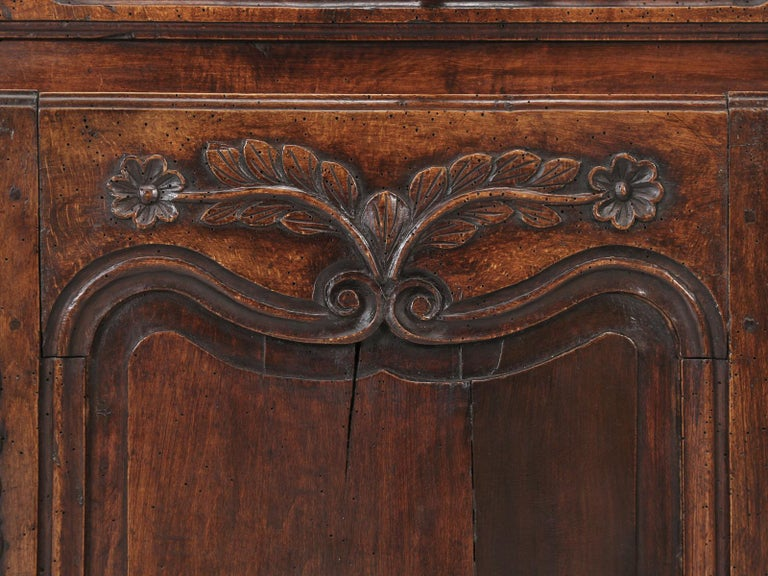 Antique Country French Louis XV Fruit Wood Two-Door Buffet, circa 1700s For Sale 9