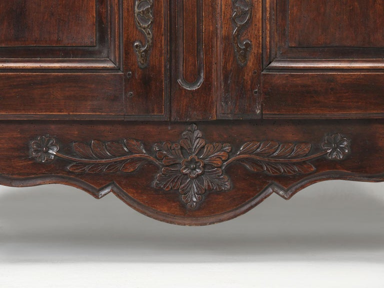 Antique Country French Louis XV Fruit Wood Two-Door Buffet, circa 1700s For Sale 11