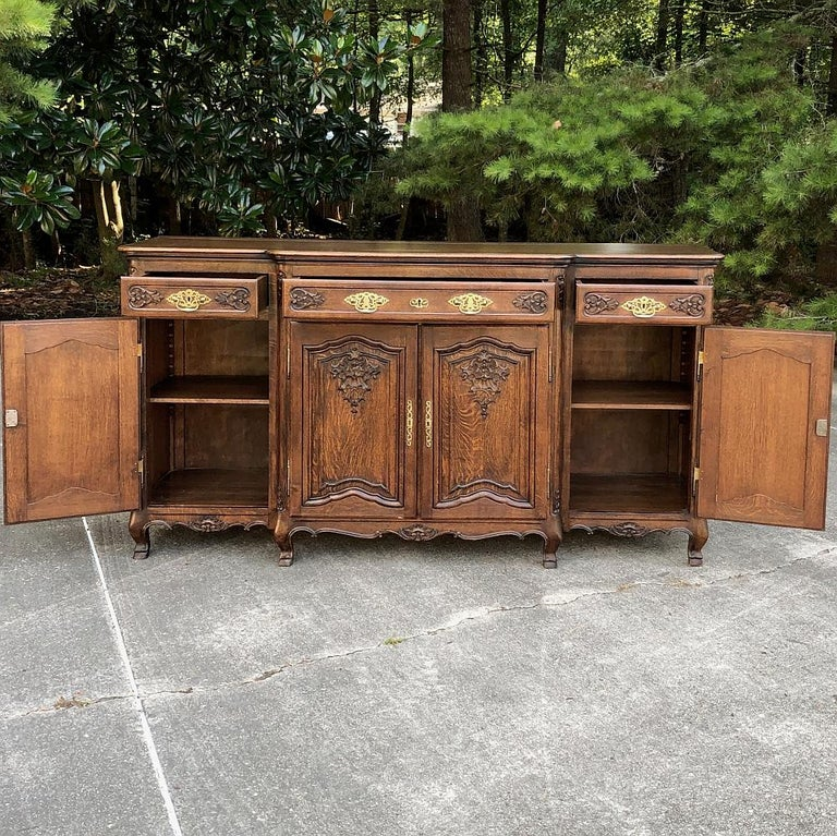 Antique Country French Step-Front Buffet In Good Condition In Dallas, TX