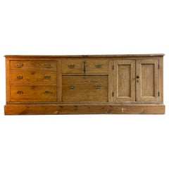 Antique Country House Pine Dresser Sideboard, 19th Century England, circa 1870