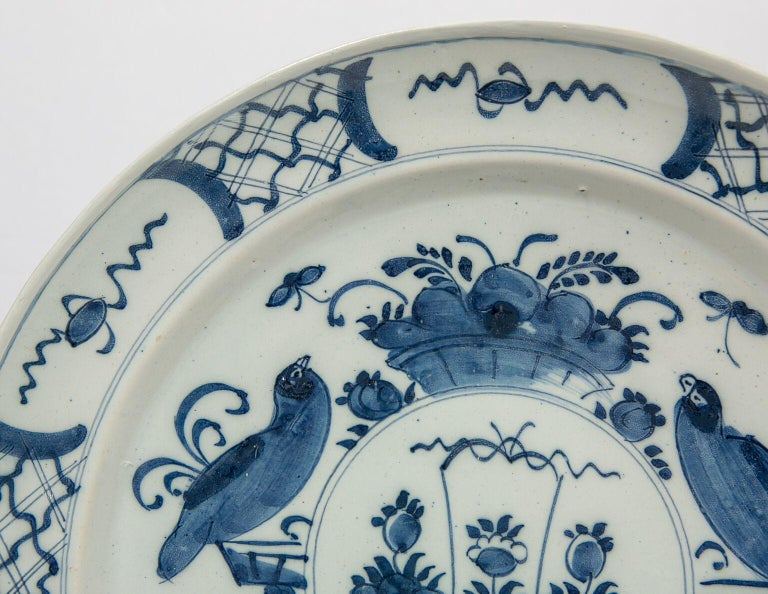 Antique Delft Blue and White Charger Made in Netherlands, circa 1800 In Excellent Condition For Sale In New York, NY