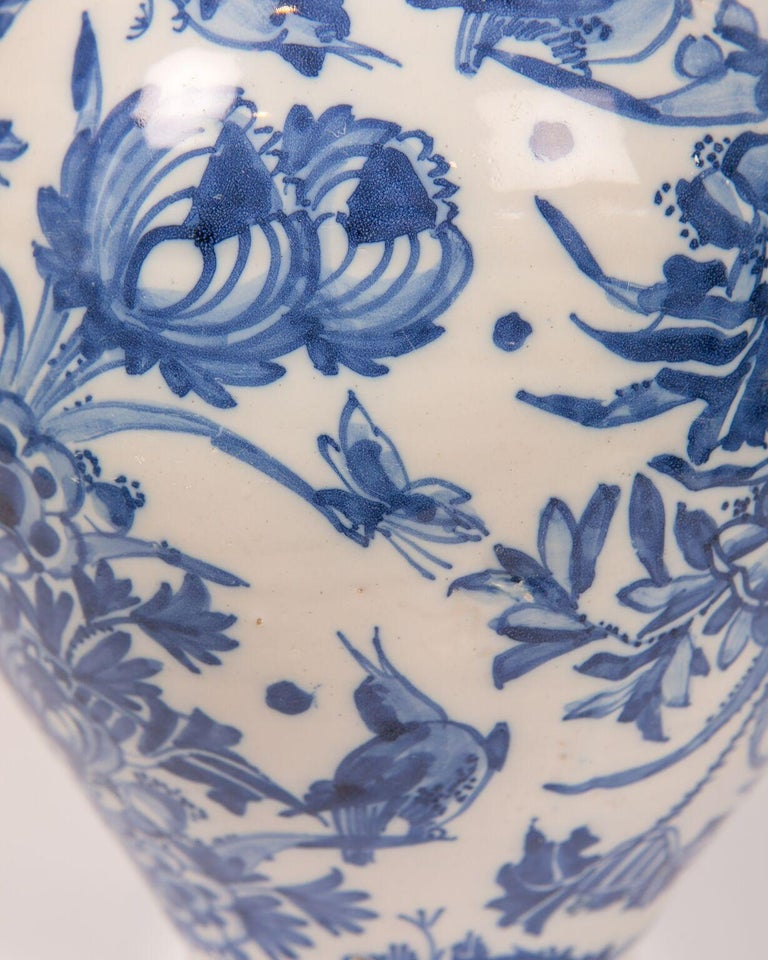 London Delftware Blue and White Flower Vase 17th Century circa 1685 4