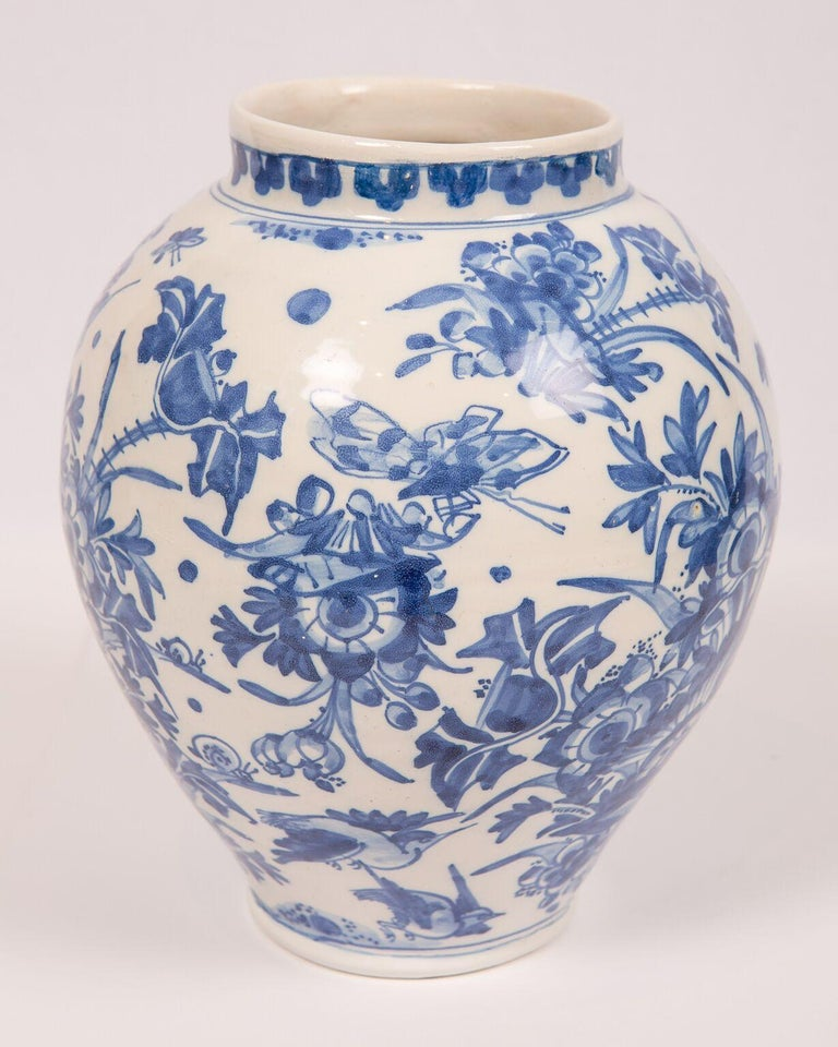 English London Delftware Blue and White Flower Vase 17th Century circa 1685