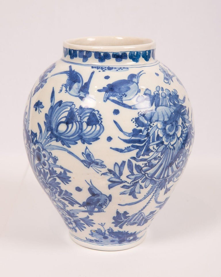 London Delftware Blue and White Flower Vase 17th Century circa 1685 1