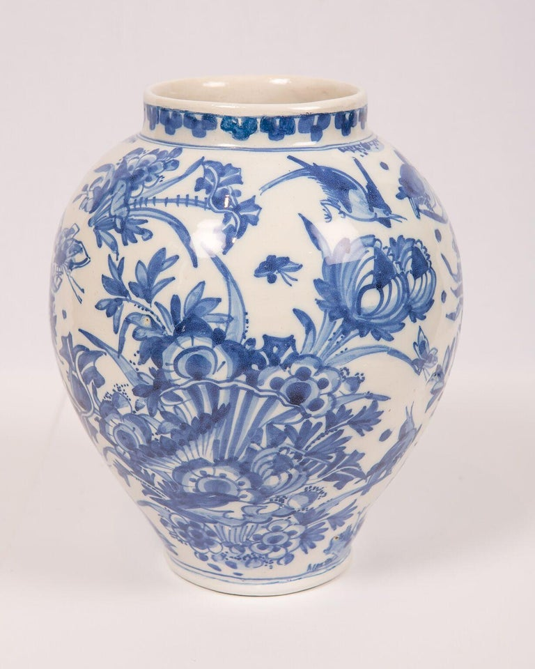London Delftware Blue and White Flower Vase 17th Century circa 1685 2