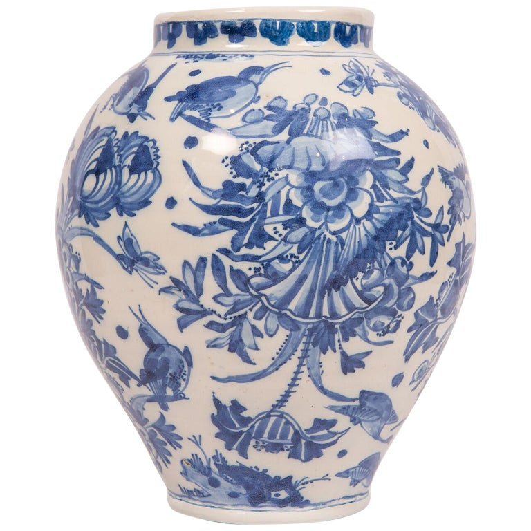 London Delftware Blue and White Flower Vase 17th Century circa 1685