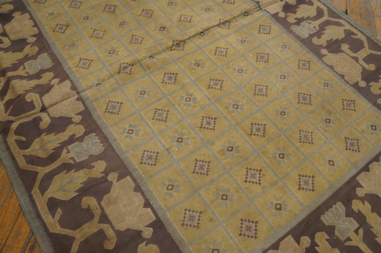 Antique Dhurrie Indian Rug In Good Condition For Sale In New York, NY