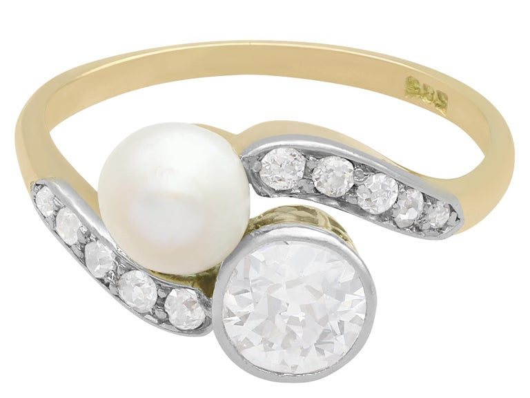 Antique Diamond and Natural Saltwater Pearl Yellow Gold Twist Ring, circa 1900 In Excellent Condition For Sale In Jesmond, Newcastle Upon Tyne