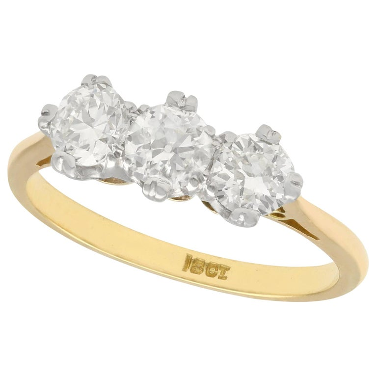 Antique Diamond and Yellow Gold Trilogy Ring, Circa 1930 For Sale