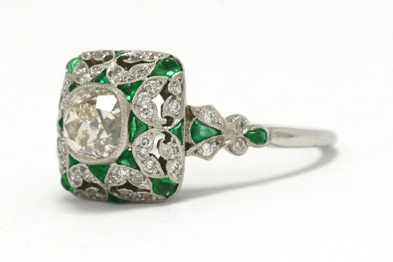 Women's Art Deco Style Diamond Emerald Engagement Ring Old Mine Cut 1 Carat Cocktail For Sale