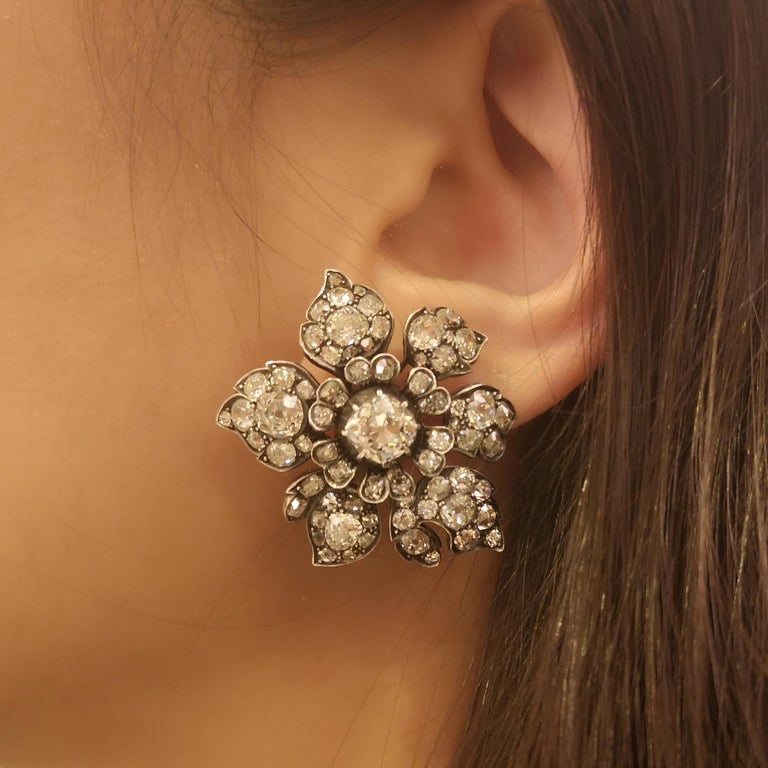 Antique Diamond Flower Earrings, circa 1880 In Good Condition For Sale In London, GB