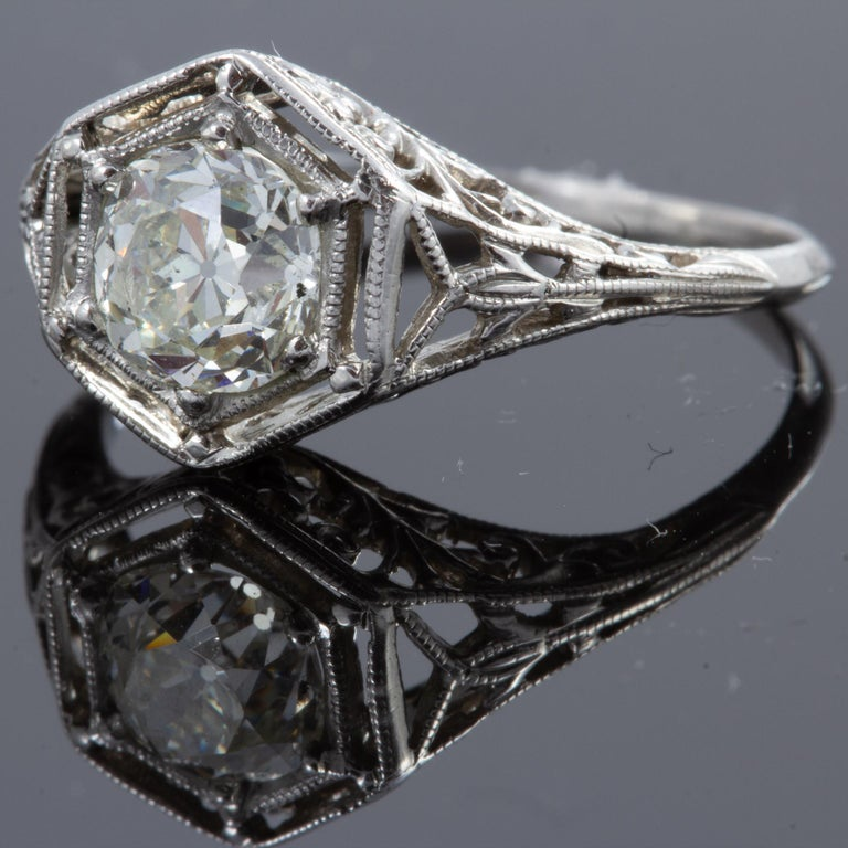 Antique Diamond Ring In Good Condition For Sale In Houston, TX