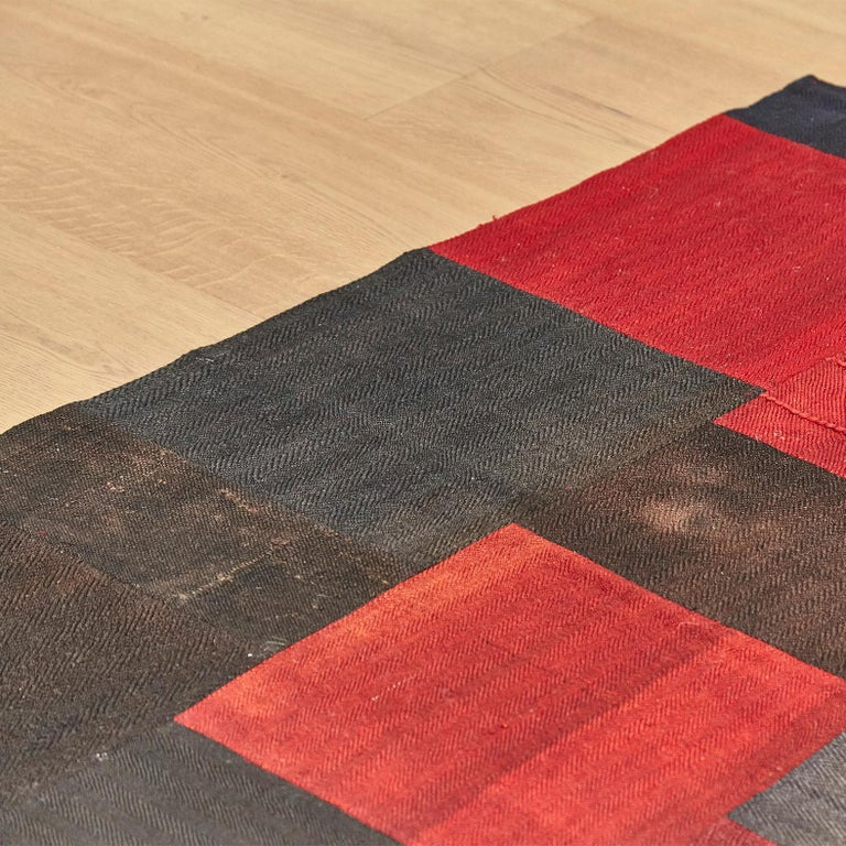 Antique Dizmeck Kilim Turkey Red Black Rug In Good Condition For Sale In Barcelona, Barcelona