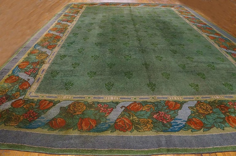 Antique Donegal, Arts & Crafts Rug In Good Condition For Sale In New York, NY
