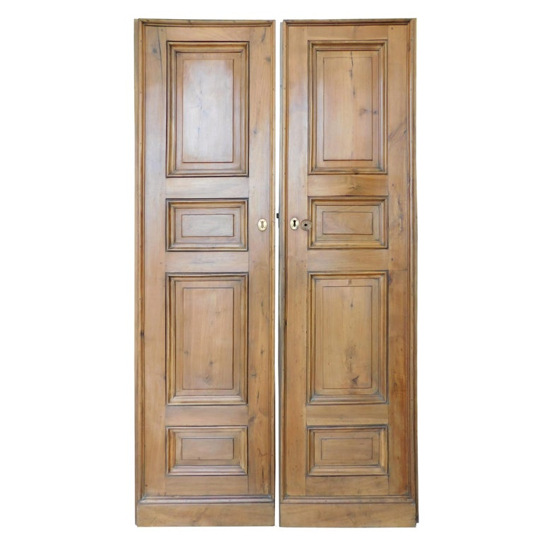 Antique Double Walnut Doors with Panels Carved, 1 Pairs, 18th Century Italy For Sale