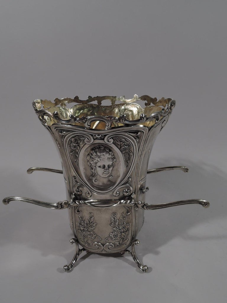 Antique Durgin Rococo Revival Sterling Silver Sedan Chair Vase In Excellent Condition For Sale In New York, NY